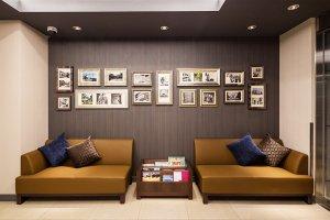 ล็อบบี้ของโรงแรมมายสเตย์ โยโกฮะมะ คันไน (HOTEL MYSTAYS Yokohama Kannai)