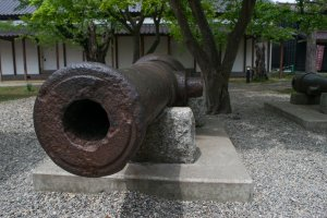 Original cannons used during the Republic of Ezo period, on display at Goryokaku Park.