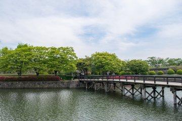 Entry to Goryokaku Park, over the moat.