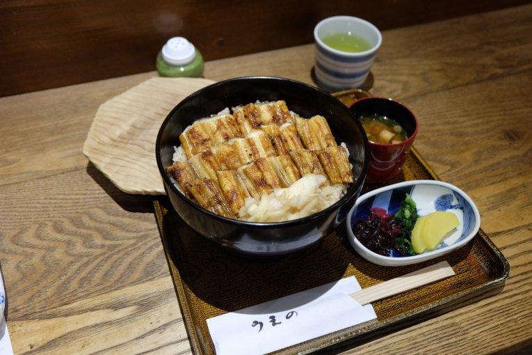ข้าวหน้าปลาไหลแห่งร้าน Ueno (うえの)