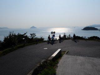 ปั่นจักรยานไฟฟ้าทั่วเกาะ