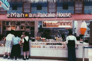 Delicious pancake house in the food court
