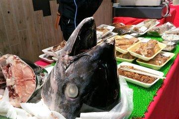 เก็บภาพบรรยากาศของตลาดปลาซึตกิจิ