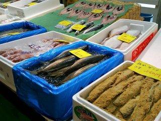 ร้านนี้ขายทั้งปลาสด และปลาร้า