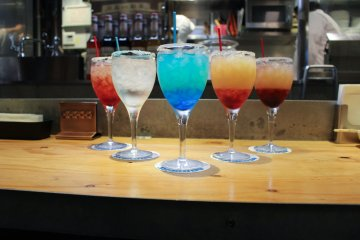 Bullet train cocktail line-up – ¥700 each