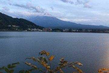 Отель Томиноко (Tominoko Hotel) у озера Кавагути