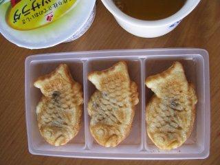 Таяки - пирожки с начинкой из красных бобов