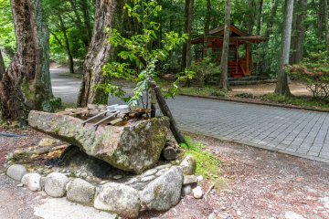 Hosshinmon-oji, the subsidiary shrine which marks the entrance to the precincts of Kumano Hongu Taisha.