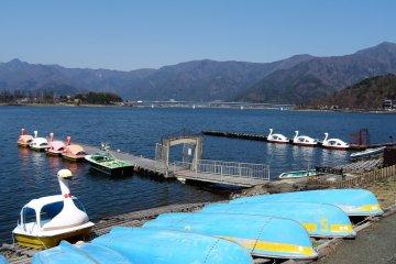 ชมความงามแห่งทะเลสาบคะวะกุชิโกะ