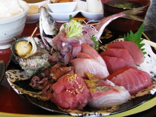 """В Ито фирменное блюдо - """"сашими"""" из свежей сырой рыбы"""