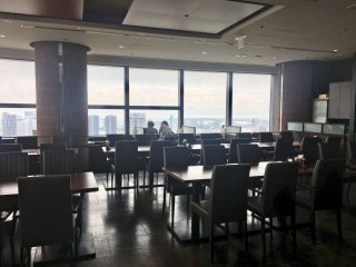 A 'Sky Restaurant' in Caretta Shiodome