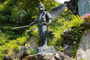 คะระซุ-เท็งงุ (Karasu-tengu) หรือเท็งงุกา คือมีปีกและจงอยเหมือนกา