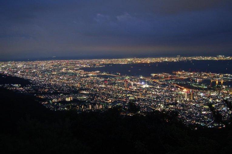 «Ночной вид на десять миллионов долларов», Кобэ