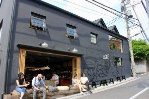 Side of cafe