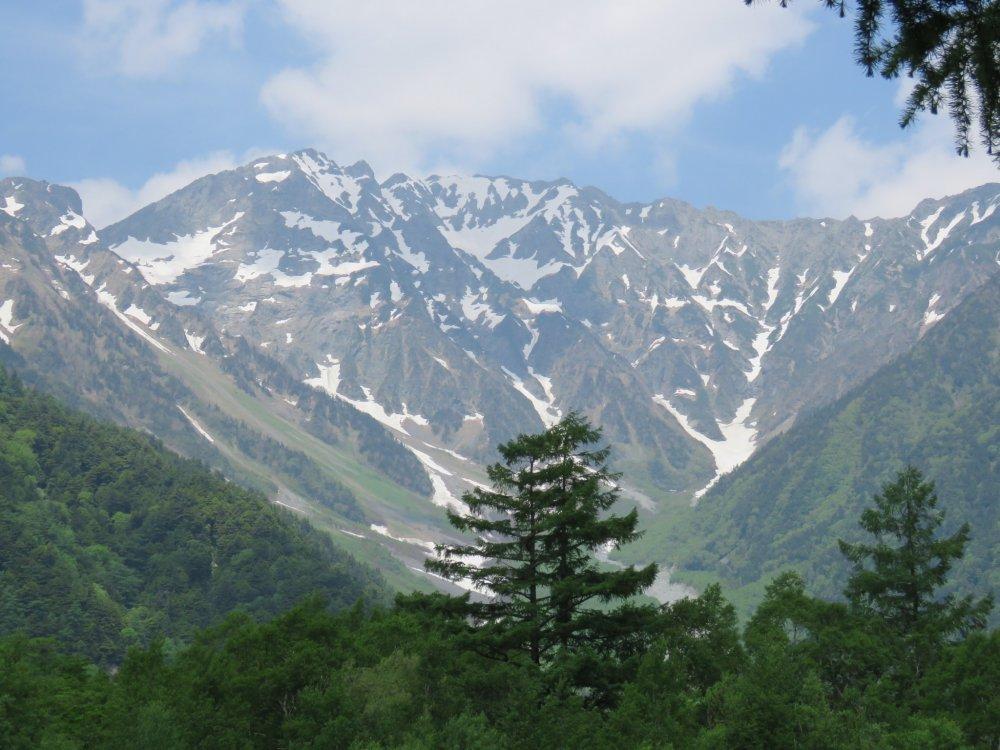 오쿠호타카 다케 (Okuhotaka-dake) 3,190 m (10,466 피트)