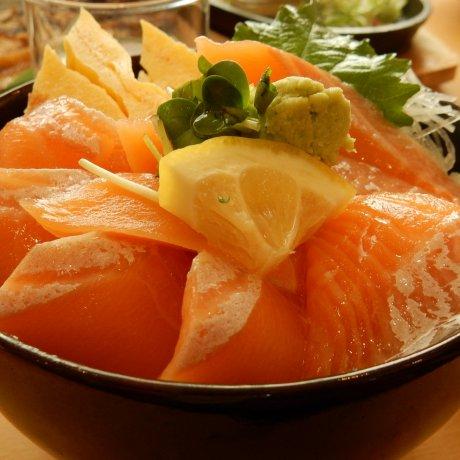 Halal Cuisine in Donburichaya Otaru