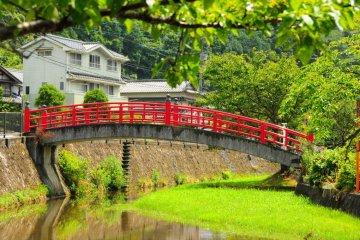Pemandian Air Panas Tertua Jepang