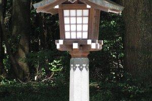 Деревянный фонарь