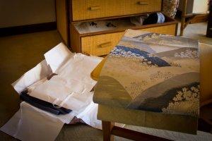 """""""Shihoko vive em Portugal há mais de 30 anos. No seu apartamento tem vários quimonos, embrulhados em papel pardo, como relíquias à espera de serem descobertas"""""""