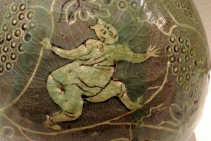 The fish painting is charming and almost childlike in its simplicity at the Museum of Oriental Ceramics Osaka
