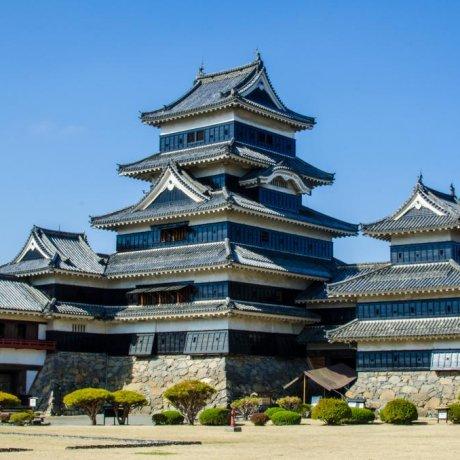 Matsumoto Castle in Photos