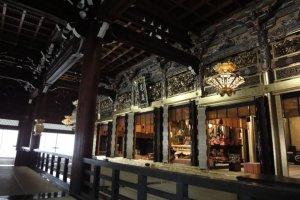 Inside Nishi Hongen-Ji