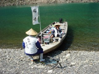 Short break on the shores of Kumano River before continuing the journey downriver towards the Hayatama Shrine
