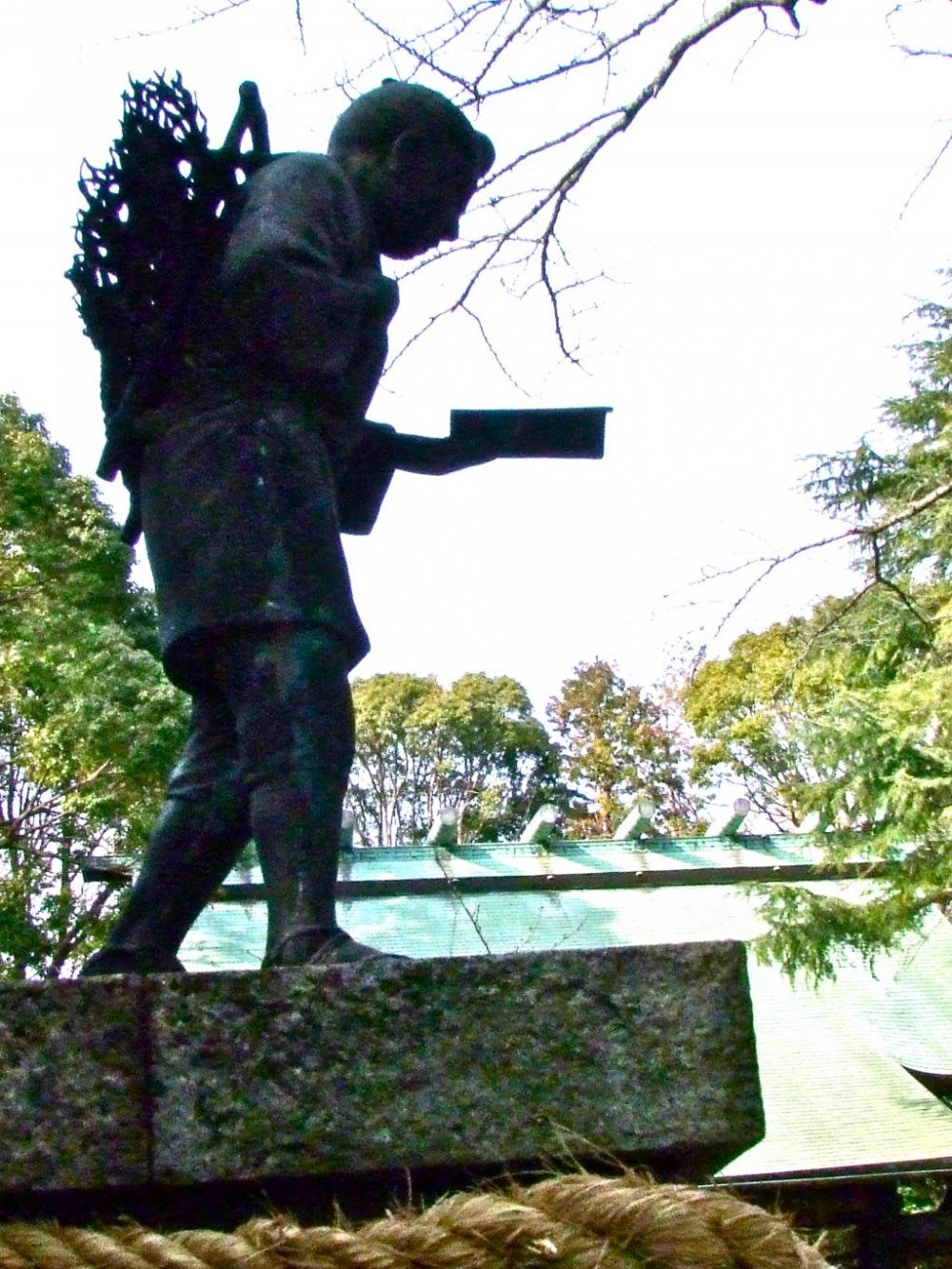 This statue of Ninomiya when he was a young boy can be found in elementary schools all over Japan, and is a symbol of diligence, andthirst for knowledge