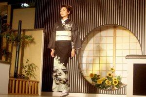 Classic Black and White Kimono Design at the Kyoto Fashion Show in Nishijin