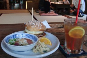 Hamburger and iced tea