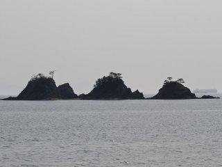 가모섬의 삼 봉