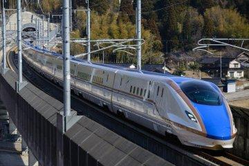 Синкансэн, или поезд-пуля, является самым популярным средством передвижения в Японии
