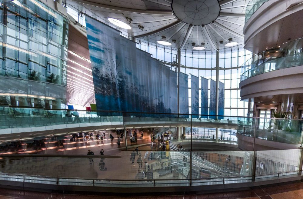 Having visited Haneda many years ago, I could instantly appreciate the full extent of its impressive transformation