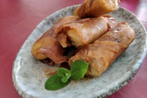 Banana spring rolls - the perfect sweet treat!