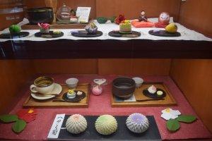 Chỉ là những mẫu trưng bày của món bánh wagashi đang được bày bán