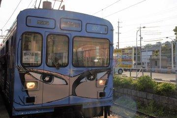 火車是由漫畫「銀河鐵道999」的作者松本零士所設計