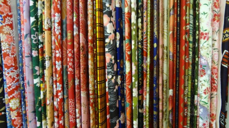 Yurindo has a beautiful collection of traditional washi paper on the 4F.