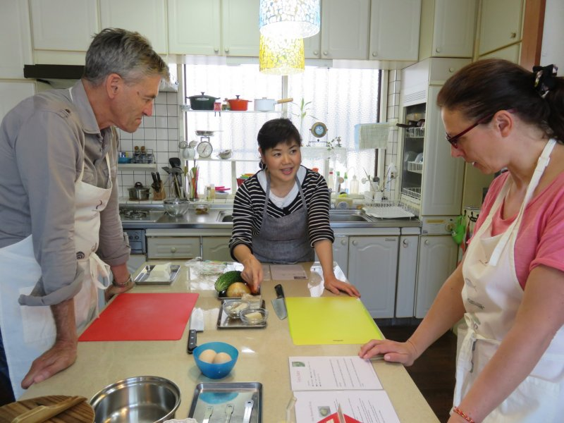 Kazumi explains the recipe in Japanese but we can read along the English print version