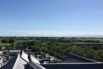 Гора Фудзи с вершины замка