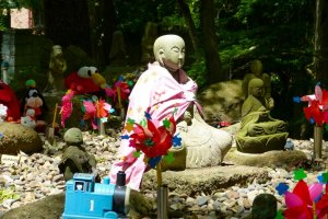 There are huge numbers of Jizo statues in this temple