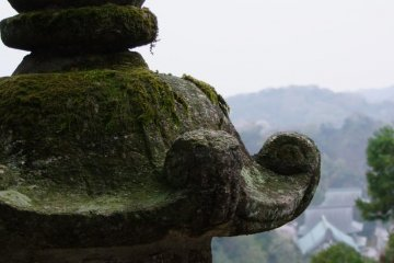 <p>Great view down to large and famous Kencho-ji Temple</p>