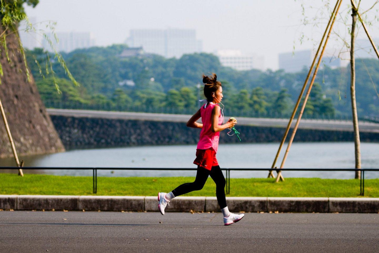 Seorang pelari di Imperial Palace