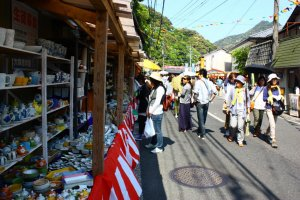 Nearly 600 stalls and shops spill out into the 4km long main street, tempting passers by with their wares.