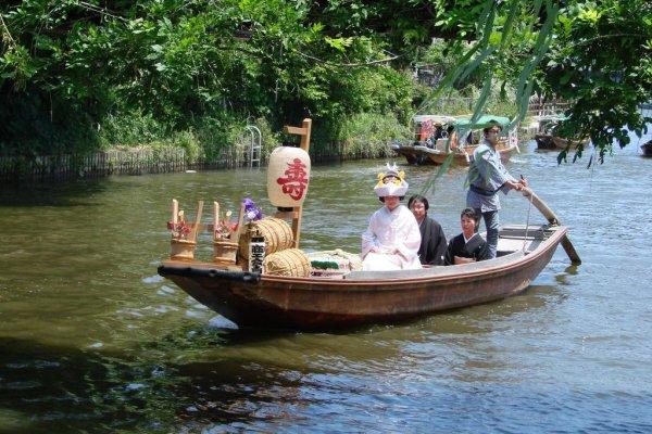 A bride on the waterways of Itako