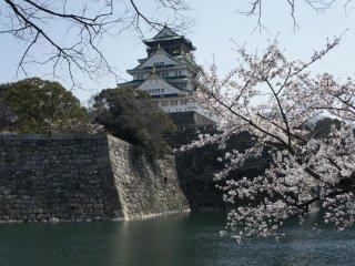 오사카성의 전경