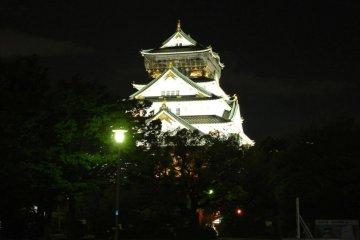 꼭 봐야하는 오사카성의 야경!