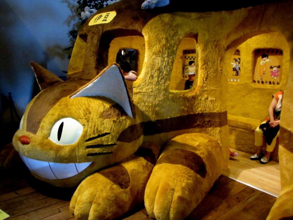 Bus kucing kemungkinan adalah bagian terbaik dari pameran yang diselenggarakan untuk para fans Totoro