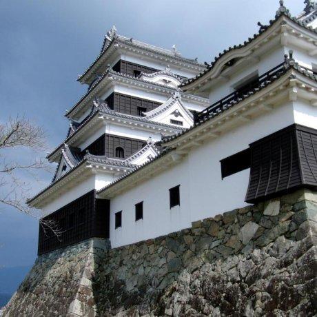 Ozu Castle - An Authentic Reconstruction
