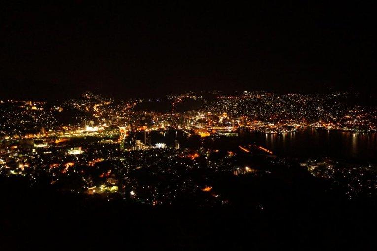 3 ngày 2 đêm ở Nagasaki-Cảnh đêm