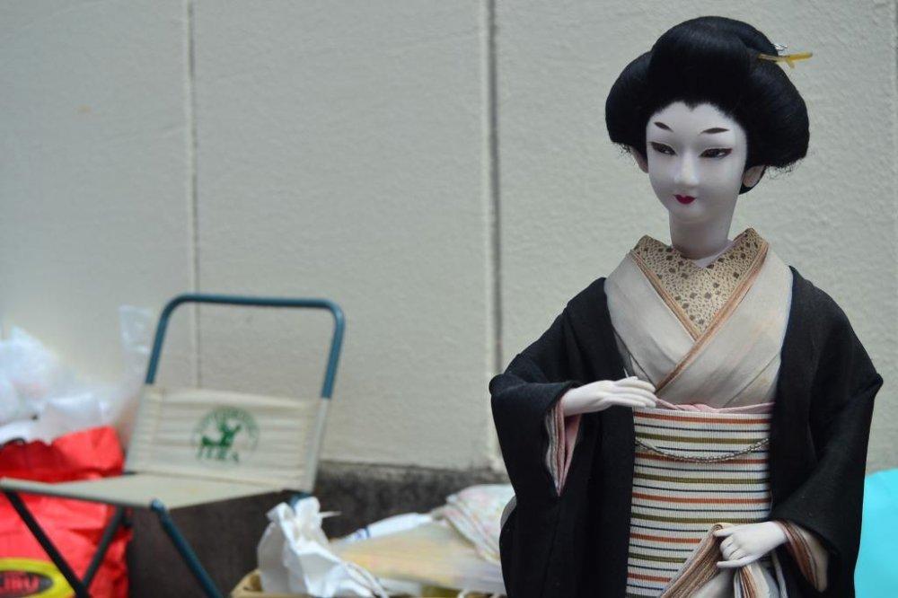 着物を着た日本のバービー人形